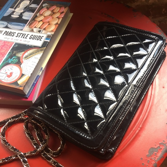 ande Handbags - Vintage quilted black patent leather purse